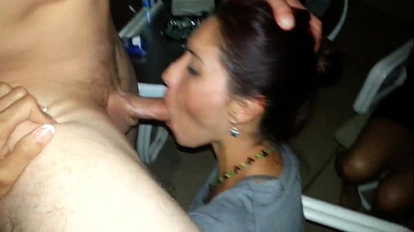 Cuckold Films Wife Giving Head to a Another Man…